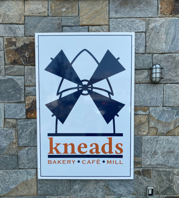 Kneads+bakery%2C+cafe+and+mill+opened+on+Riverside+Avenue+in+Saugatuck+on+September+5.+It+serves+both+breakfast+and+lunch+while+making+100+percent+whole+wheat+organic+flour+milled+in+the+store.+