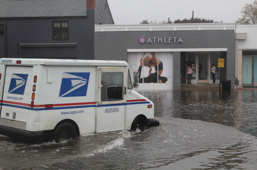 Increased+flooding+downtown+threatens+shops+through+costs+and+water+damage