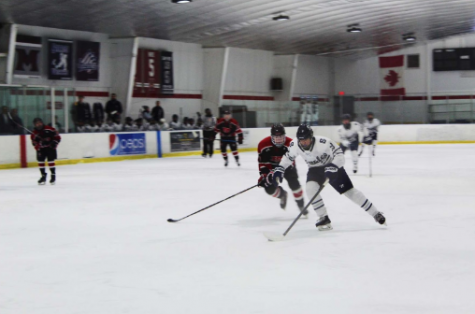 Captain Victor Sarrazin '21 on a 1-on-1 breakaway with the goalie.