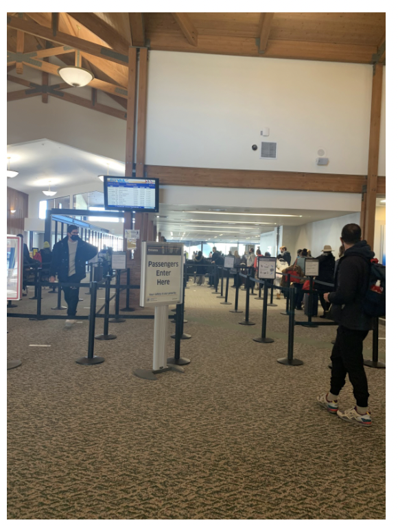 Travelers+in+EGE+airport+in+Colorado+stay+six+feet+apart+from+others+while+waiting+in+security+lines.+