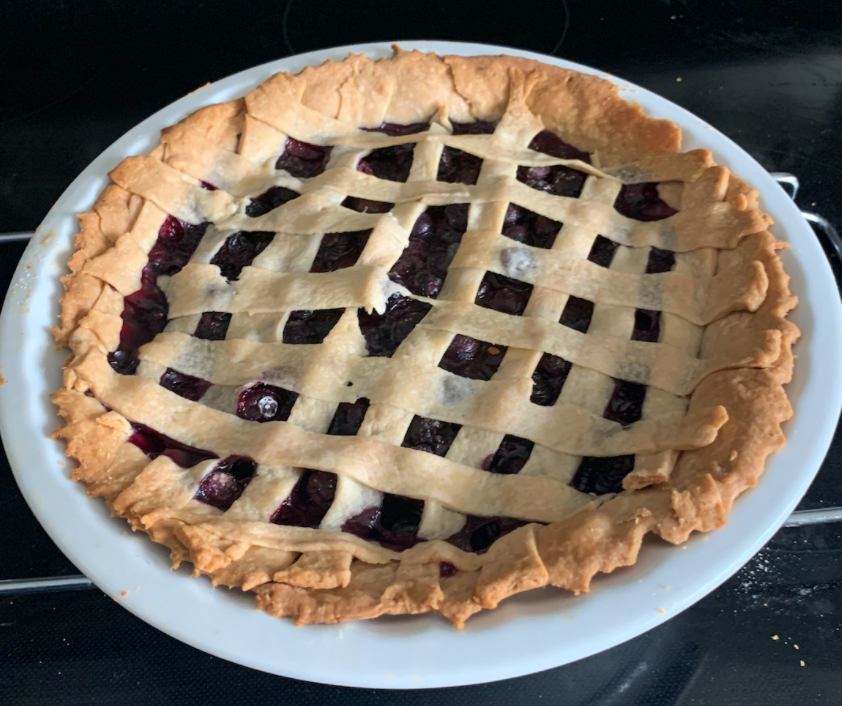 This delicious blueberry pie is the ideal sweet and savory treat to share with your family and friends anytime.
