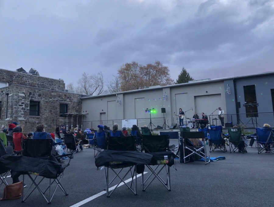 The+Museum+of+Contemporary+Art+in+Westport+began+their+summer+concert+series+with+pop+artist+Matt+Nakoa+on+April+30.+Audience+members+brought+lawn+chairs+and+were+able+to+purchase+dinner+from+a+food+truck.+MoCAs+concert+series+will+continue+until+October+2021+and+will+feature+artists+in+many+genres+from+jazz+to+classical.
