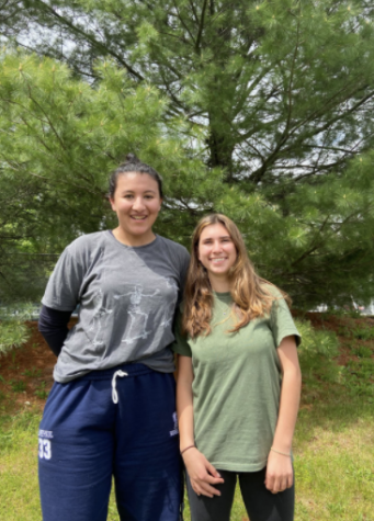 Coordinators Marley Lopez-Paul '21 and Natalia Maidique '21 encourage fellow seniors to sign up for Senior Showdown.