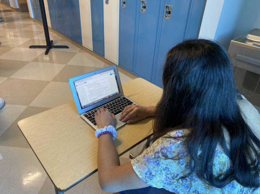 High school students often seek the help of college counselors throughout their time in high school in order to figure out how best they can prepare for college applications, and receive advice during the process itself.