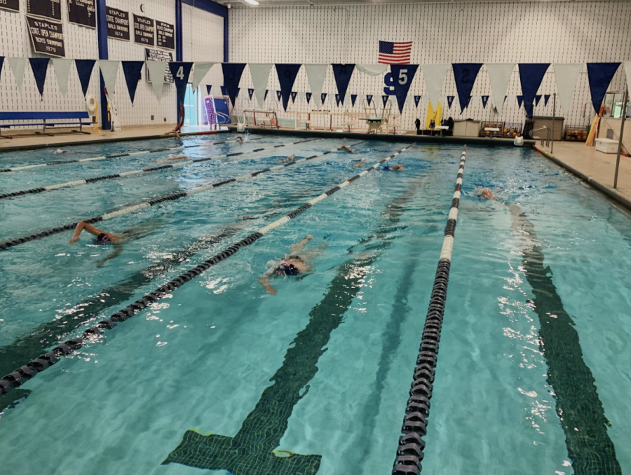 The swim team practice now ends at 6 p.m. this year, which is a change for these athletes whose practice used to end at 5 p.m. This causes these athletes entire homework and night routine to be pushed back an hour, causing additional stress. Photo by Emily Goldstein '23