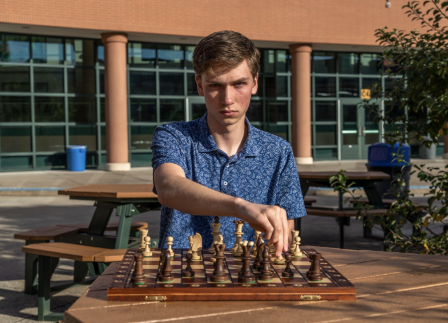 Chess+coach+Thomas+Sargent+22+welcomes+new+club+members+regardless+of+experience%2C+as+his+passion+for+chess+compels+him+to+teach+newbies.+